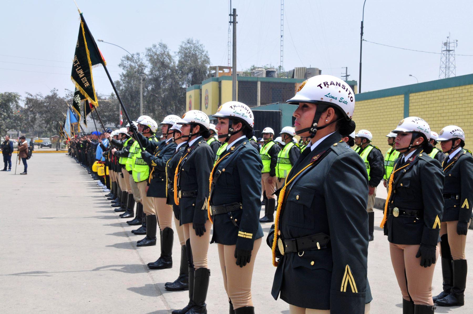 Moquegua polic as de tr nsito son beneficiados con nuevos for Portal de servicios internos policia