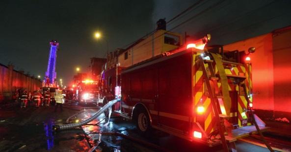 Centro de lima m s de 20 familias damnificadas dej incendio en casona nacional fm - Libreria casona aviles ...