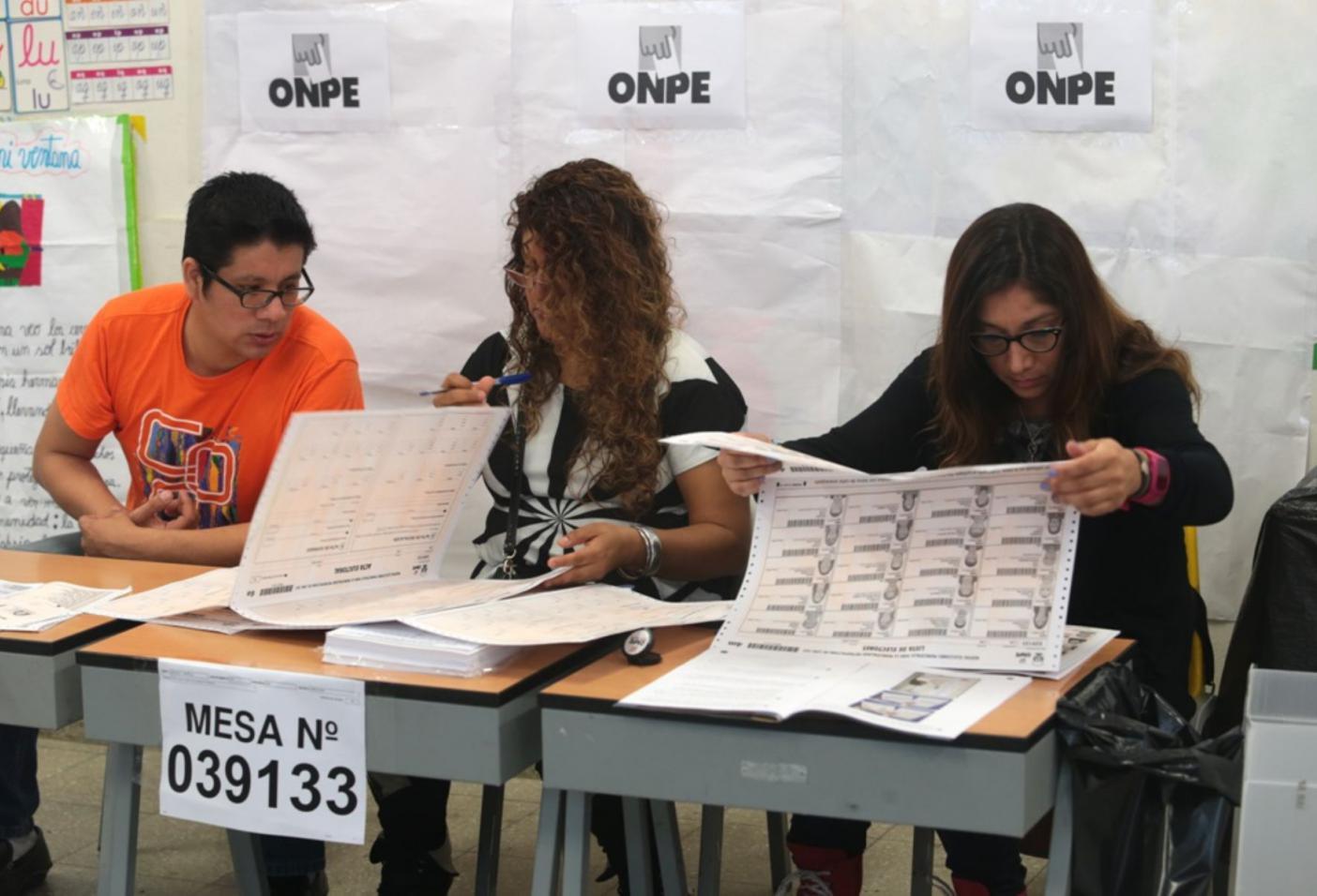 Lunes ser d a no laborable para miembros de mesa for Carles mesa radio nacional