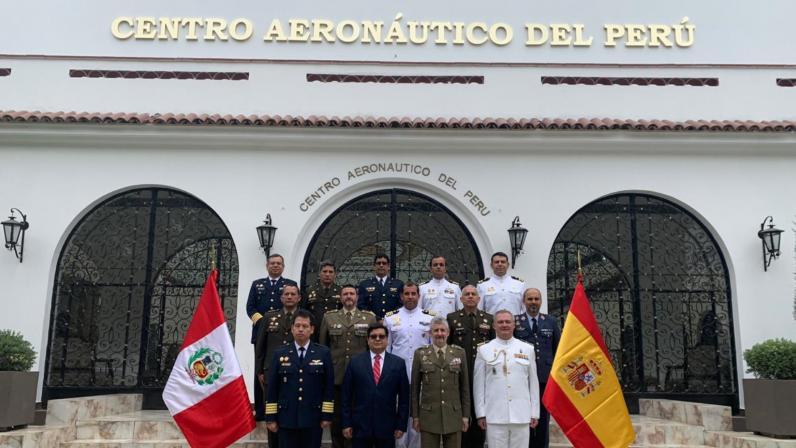 Ministerios De Defensa De Perú Y España Evalúan Avances De