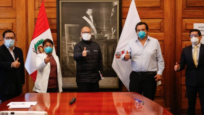 Presidente de la Federación Médica niega que el paro se haya suspendido