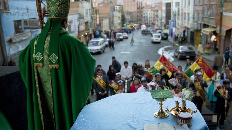 Gobierno de Bolivia anuló permiso de actos religiosos